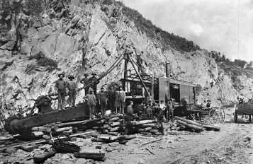 An excavation crew pauses with a rail mounted steam shovel. Steam shovels and air powered drills were initially utilized to excavate the right of way in Manor Township as well as the deep cuts along the line to the east.Kline Collection, Railroad Museum of Pennsylvania, PMHC