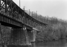 The upper span of this bridge is the 1560 foot long Safe Harbor Trestle located at the Safe Harbor Dam, PA. It is a steeldeck trusstrestlethat spans theConestoga RiveratSafe Harbor. Below it is the Port Road Bridge.